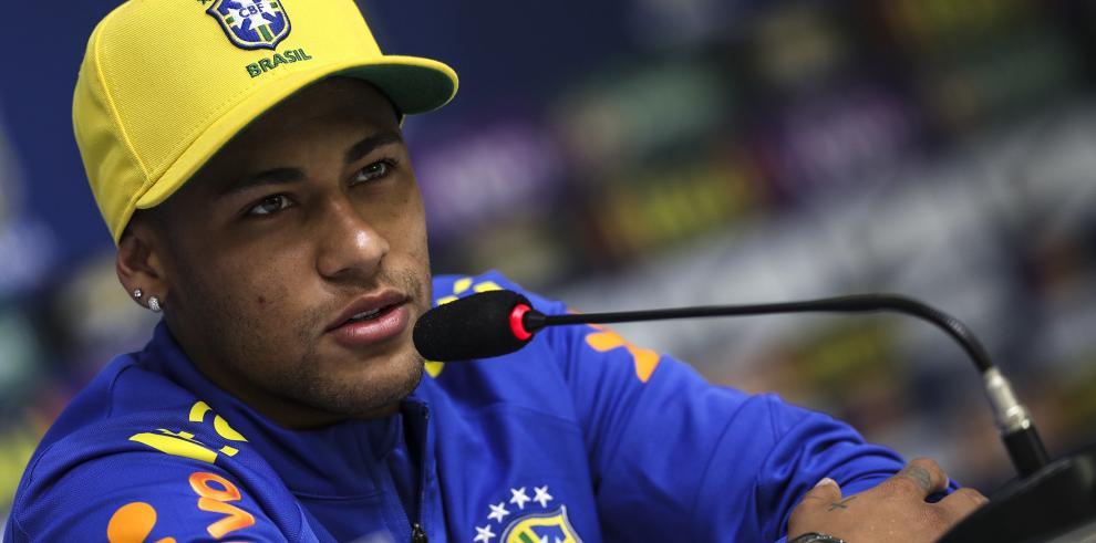 Neymar dice que Brasil debe quitarse el