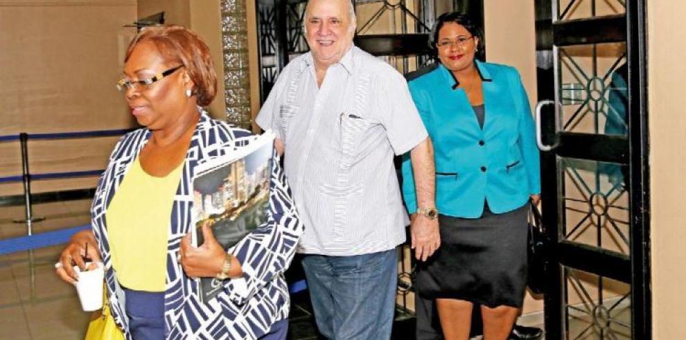 Virzi y su hija renuncian al fuero penal electoral