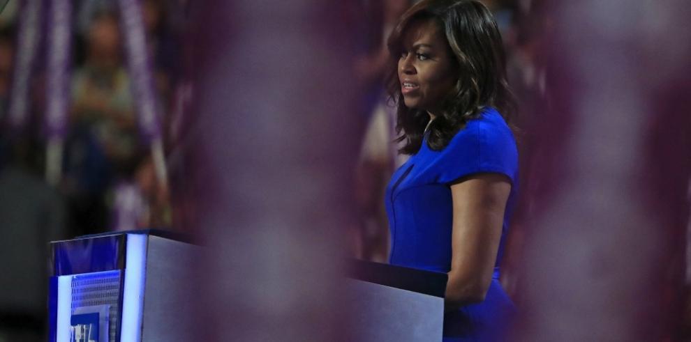 Michelle Obama muestra su apoyo a Hillary Clinton
