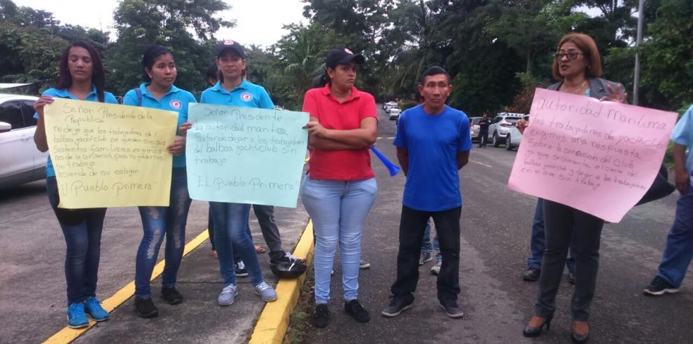 Protestan por posible revocación de concesión en el Balboa Yacht Club