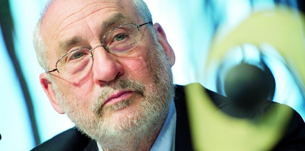 Stiglitz insta a UE a liderar la lucha contra evasión