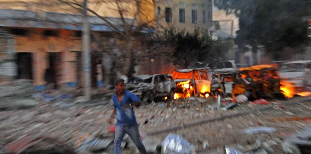Hombres armados irrumpen en un hotel en Mogadiscio