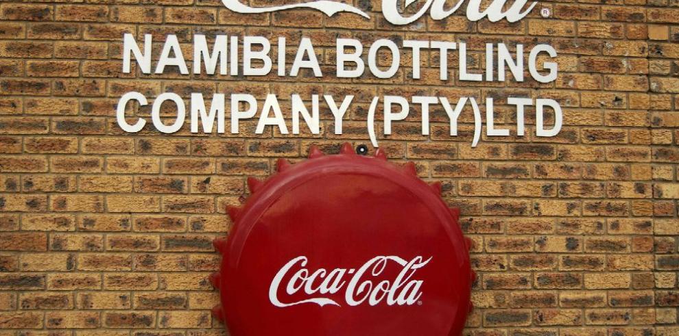 Por sequía, Coca-Cola cesa fábrica de latas grandes