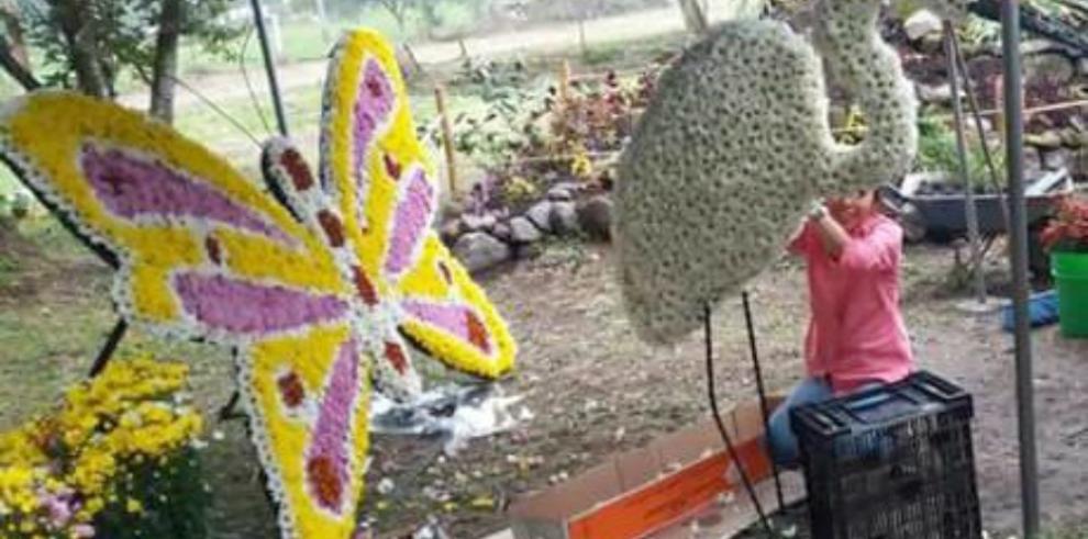 Impresionantes arreglos en la Segunda Parada de las Flores