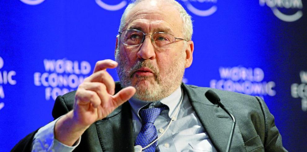 Stiglitz y Pieth, 'en guerra' contra los paraísos fiscales