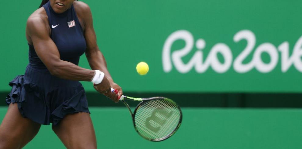 Serena Williams se impone con autoridad