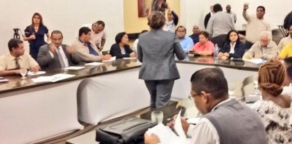 Gobierno presenta tercera propuesta a educadores