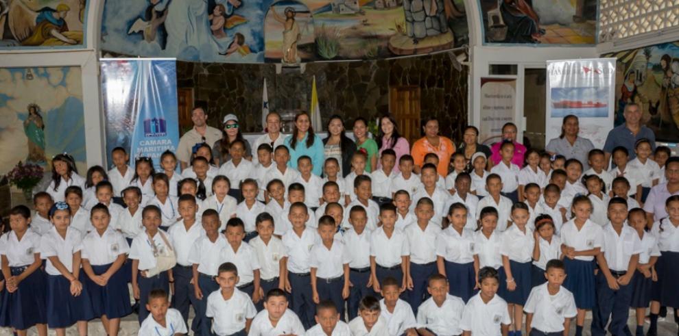 Niños de Veracruz aprenden sobre las tortugas marinas