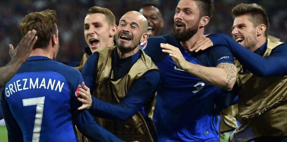 Francia sella su clasificación y Suiza no pasó del empate