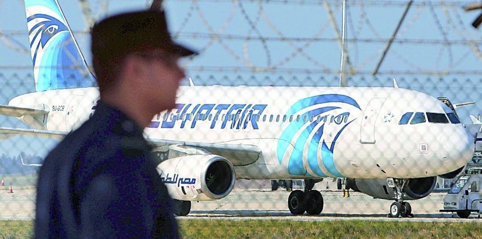 Encuentran la caja negra del avión de Egyptair siniestrado en el Mediterráneo