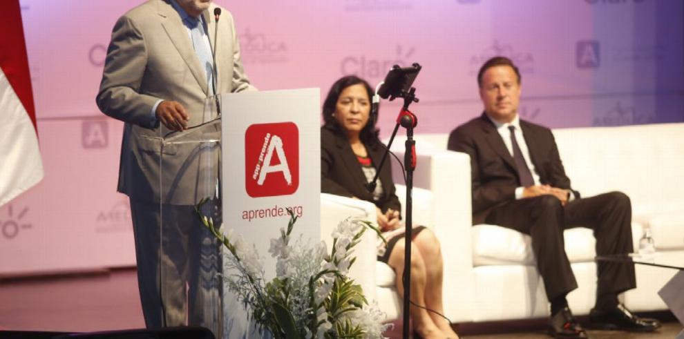 Panamá adquiere tecnología para la educación