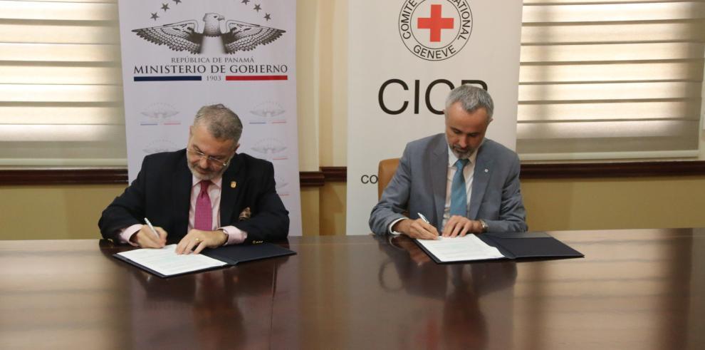 Firman convenio para el mantenimiento de los centros penitenciarios