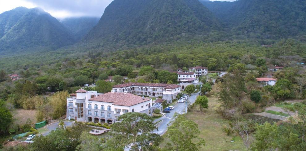 El Valle de Antón, pleno en naturaleza