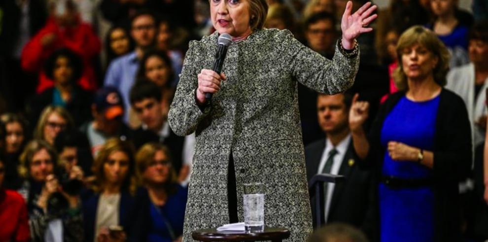 Clinton condena