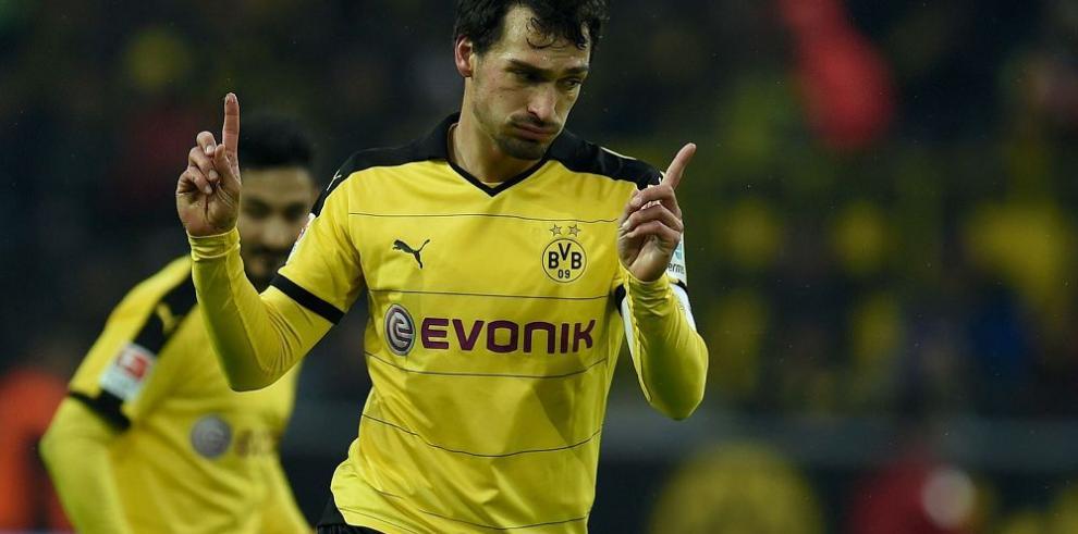 Borussia Dortmund gana y le mete presión al Múnich