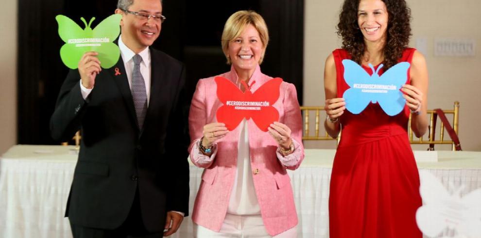 Primera dama aboga por incluir la educación sexual