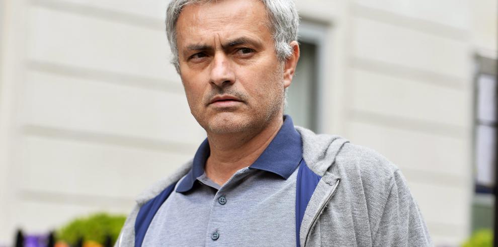Mourinho pondrá la voz al papa Francisco en película sobre Fátima
