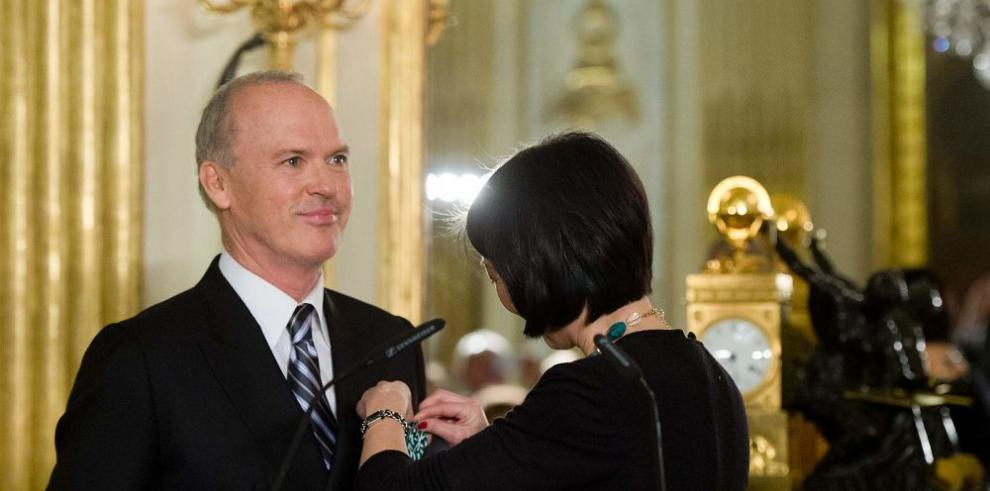 Actor recibe condecoración