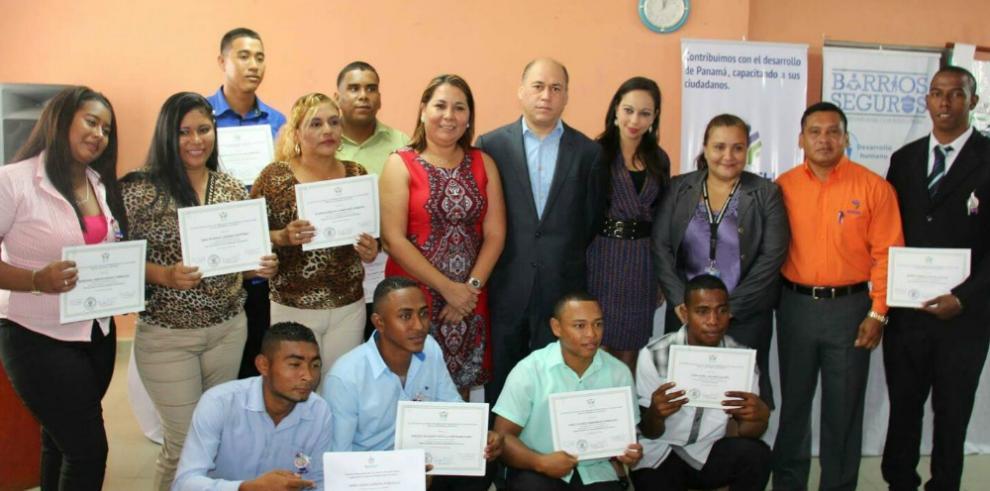 Jovenes de Antón se capacitaron en el programa