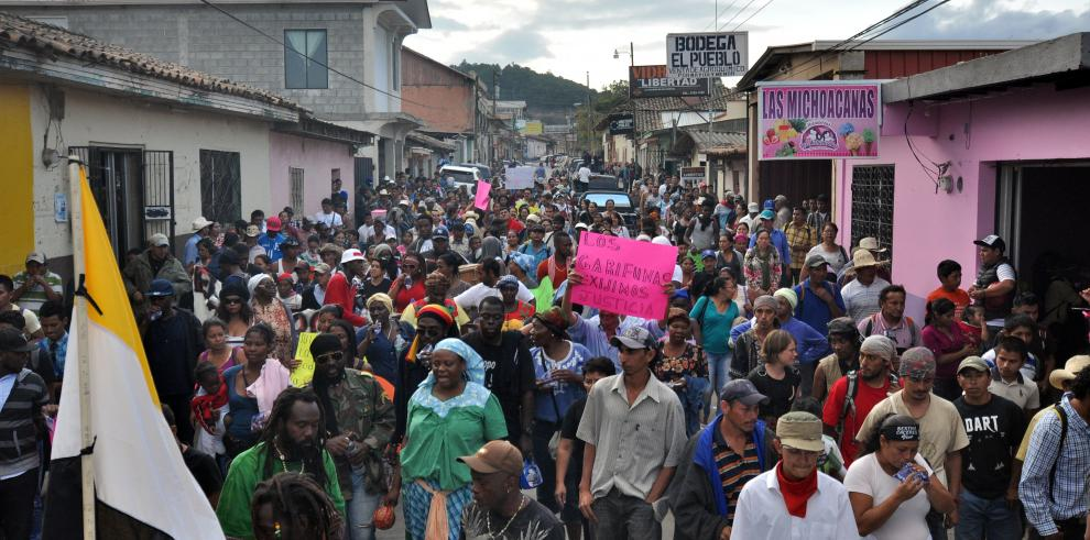 Funeral de ambientalista asesinada desata protesta social en Honduras