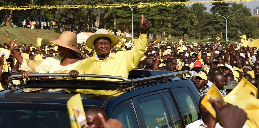 Museveni es reelegido con rechazo opositor