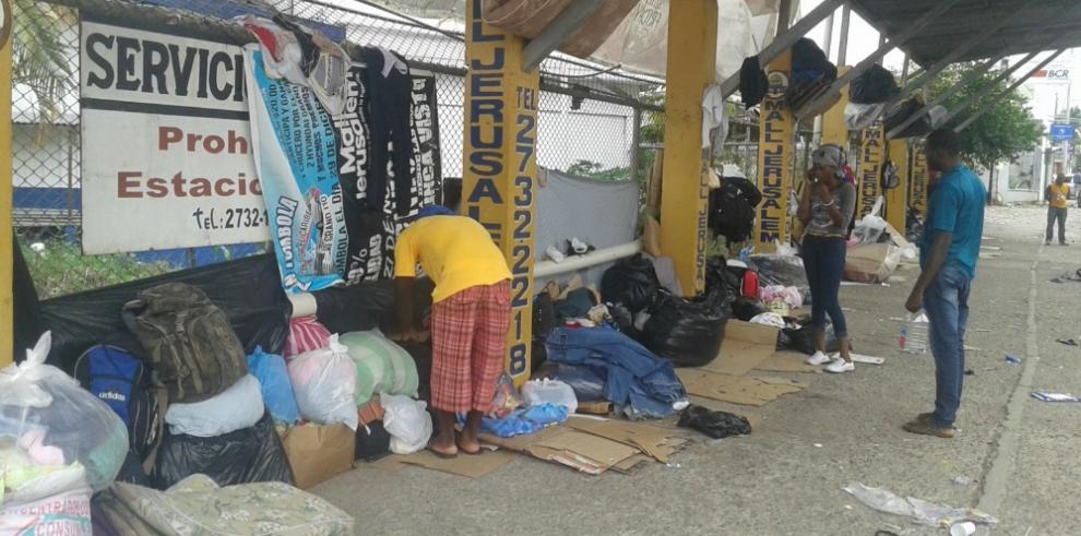 Migrante africano enfermo en Paso Canoa, alerta a los extranjeros