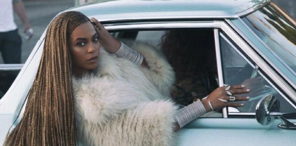 Beyoncé homenajea a las mujeres negras con 'álbum-filme'