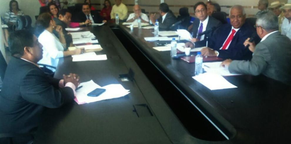 Comisión de Educación prohijan varios anteproyecto de ley