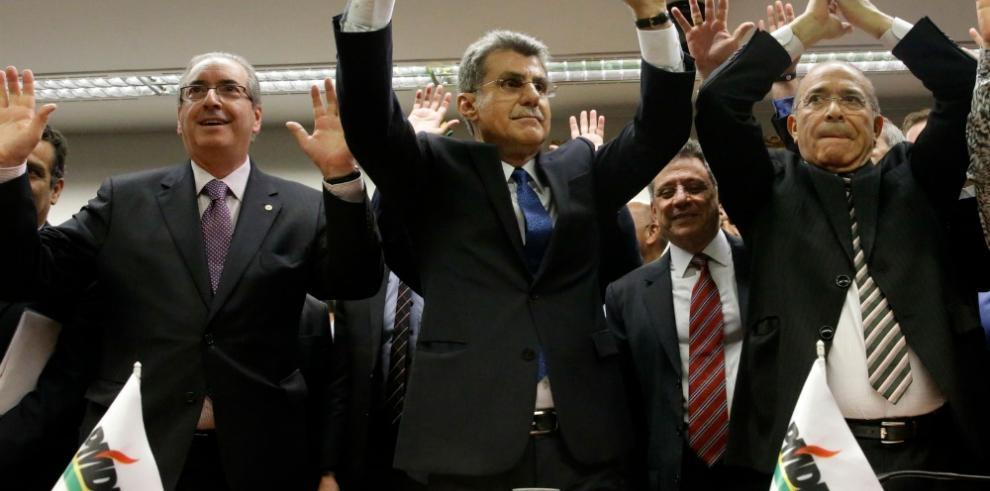 Gobierno de Rousseff se tambalea tras perder aliado
