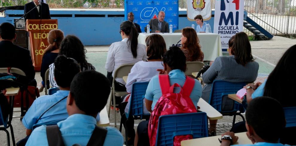 Entregan obras del Colegio León A. Soto