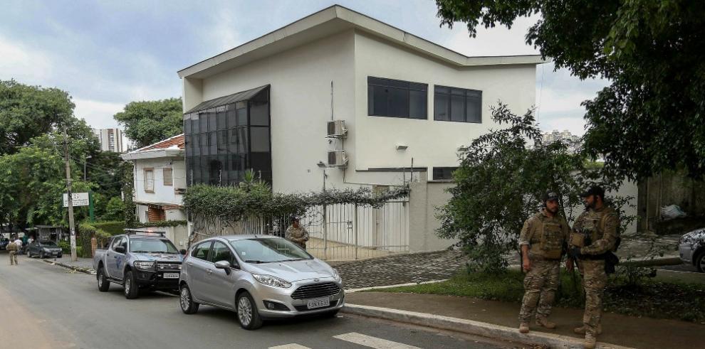 Detienen a expresidente Lula y lo llevan a declarar por caso Petrobras