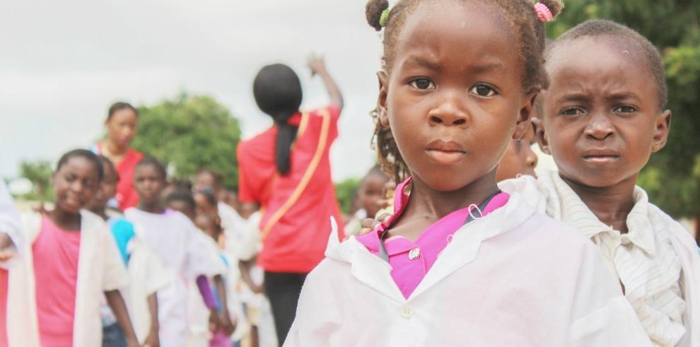 Un colegio sudafricano obliga a sus alumnas negras a alisarse el pelo