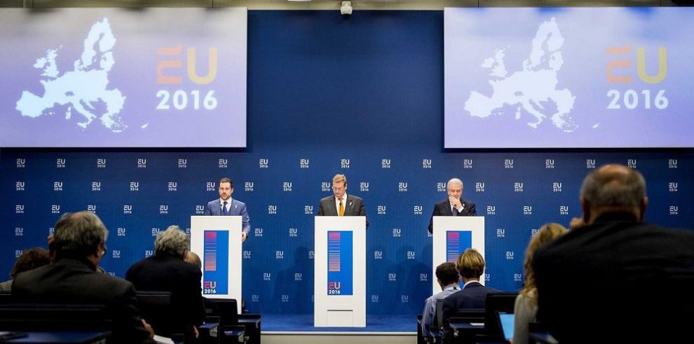 La UE presiona a Grecia para que refuerce control fronterizo