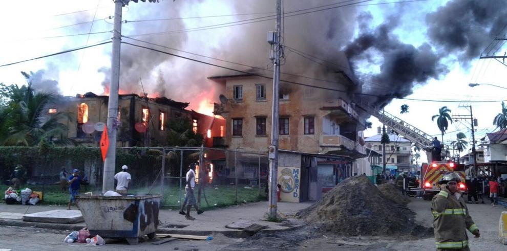 Incendio en Colón dejó 125 personas afectadas