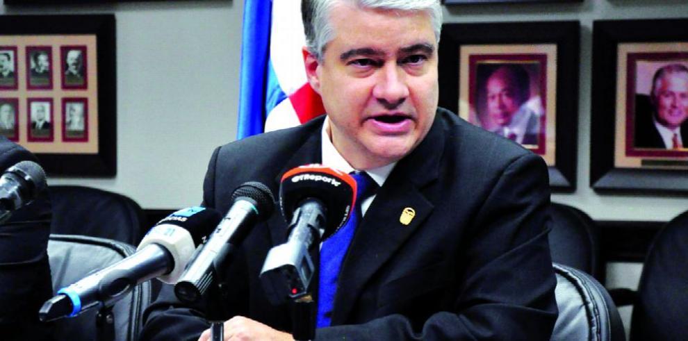 MEF confirma que pedirá vetar el proyecto de ley 92