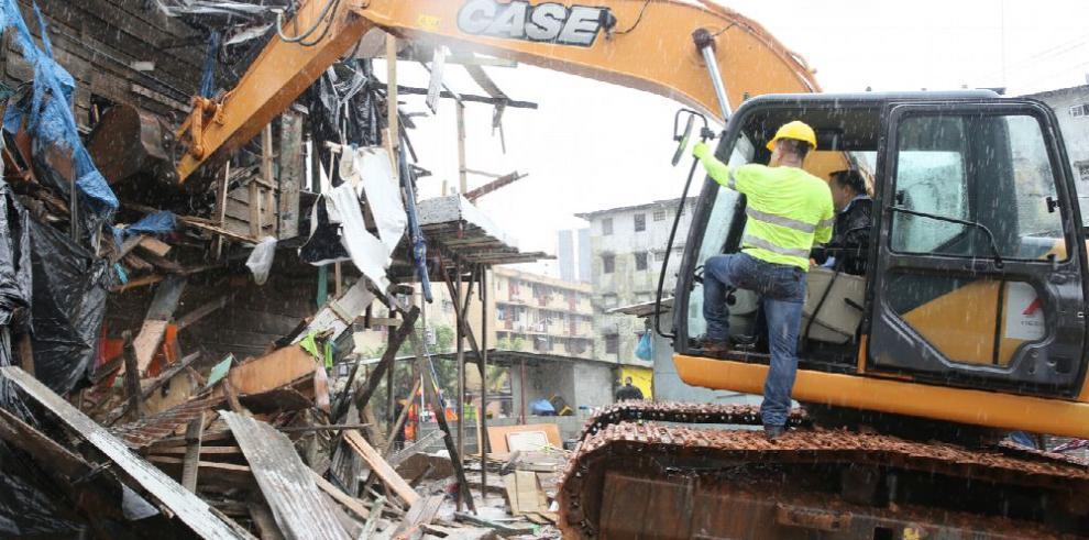 Barraca El Gallo es destruida para dar paso a edificios