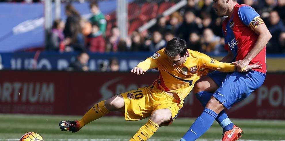 Barcelona se impone al colista Levante (2-0)