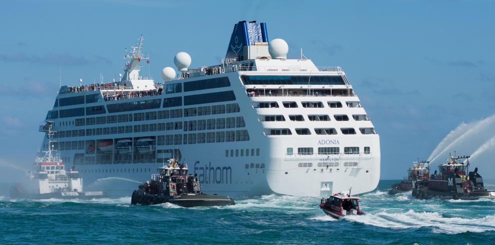Zarpa primer crucero de EEUU hacia Cuba en medio siglo
