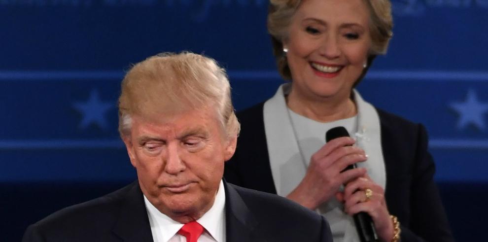 Jefa de campaña de Trump dice amenaza de encarcelar a Clinton fue broma