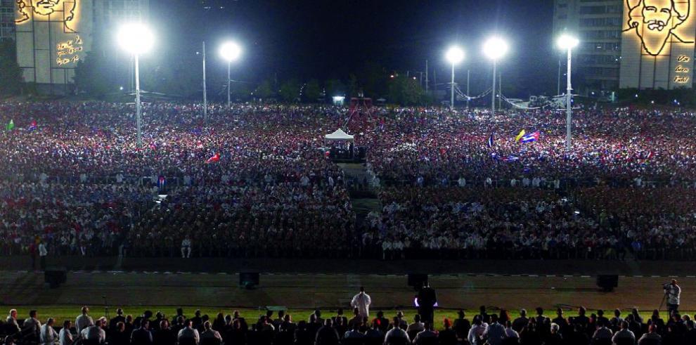 Multitudinaria despedida a Fidel Castro