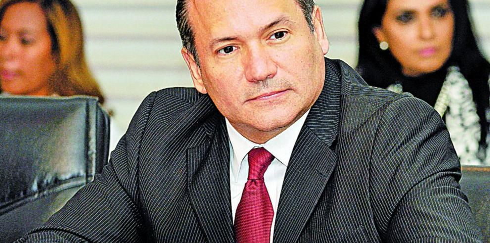 Denuncian al magistrado Harry Díaz