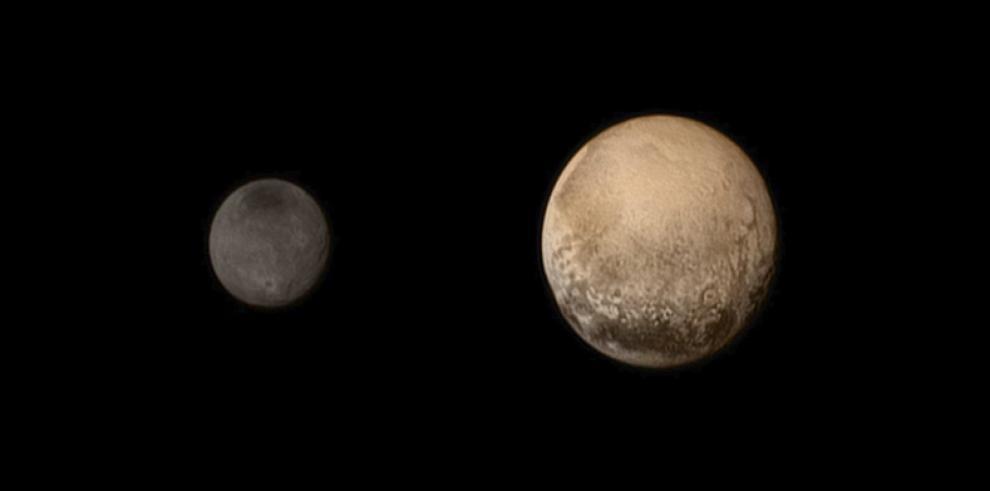 Mancha roja en la luna Caronte de Plutón podría ser por metano atrapado