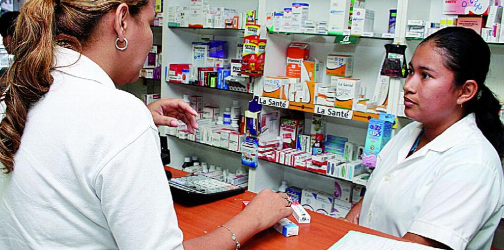 Comisión analiza desabastecimiento de medicamentos