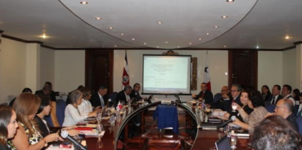 Panamá y Costa Rica dialogan sobre migración