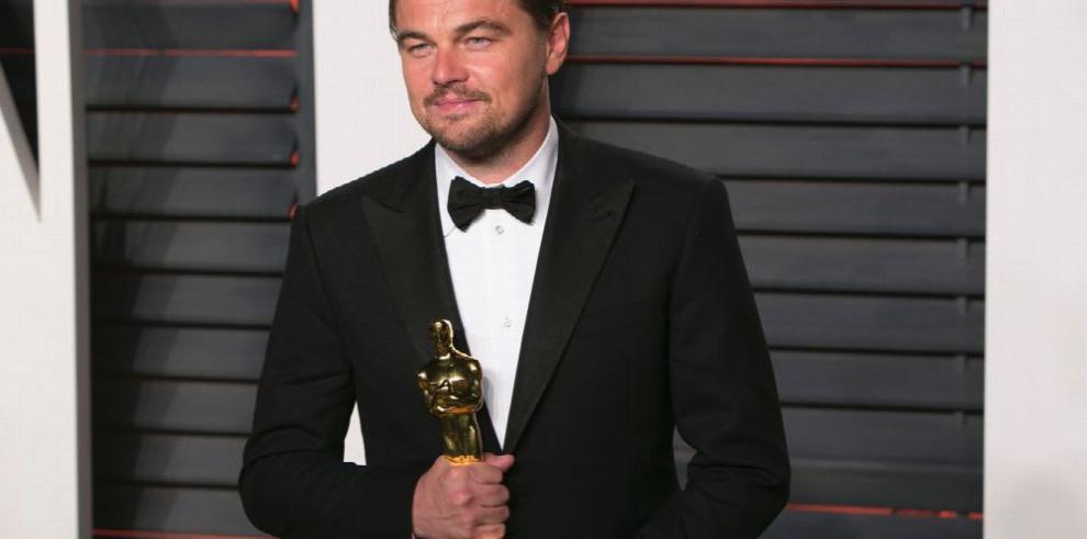 Leonardo DiCaprio, enamorado