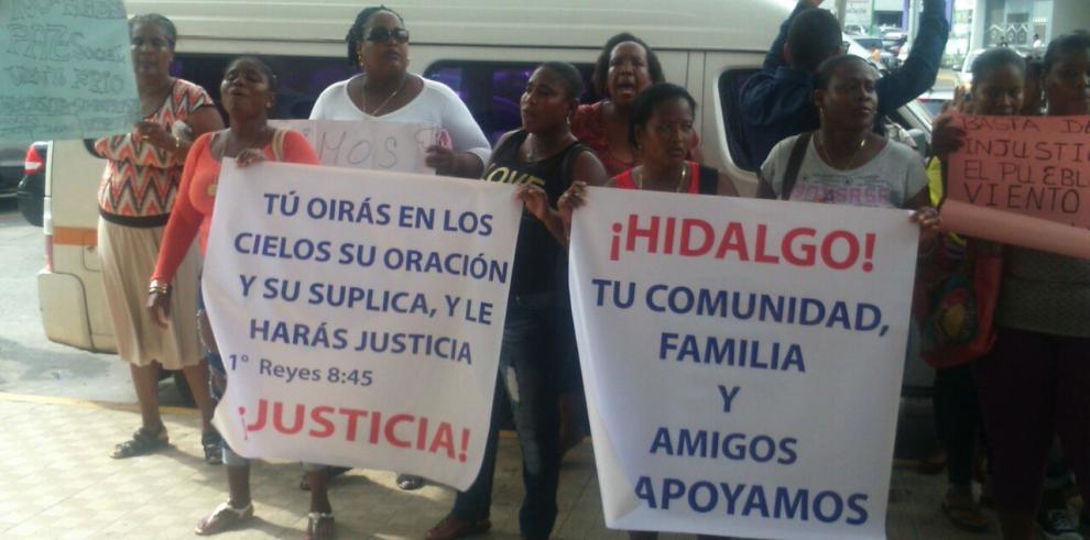 Protestan para exigir liberación del representante Hidalgo Jaramillo