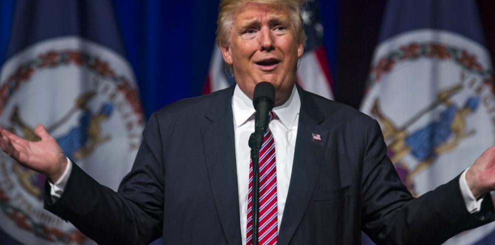 Trump se desmarca de la extrema derecha y continúa su ataque a la prensa