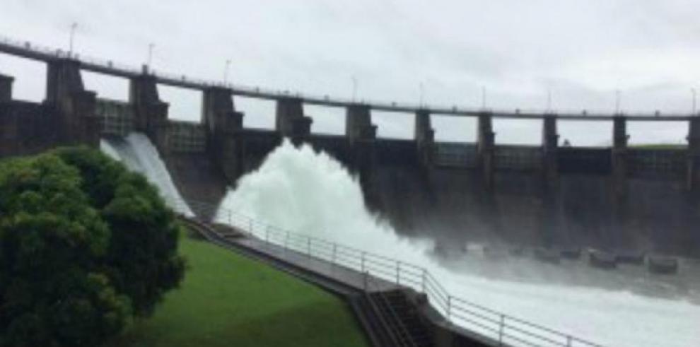 ACP mantiene vertidos preventivos en las represas de Gatún y Alhajuela