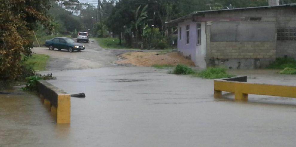 Vientos huracanados de Otto afectan Caribe panameño