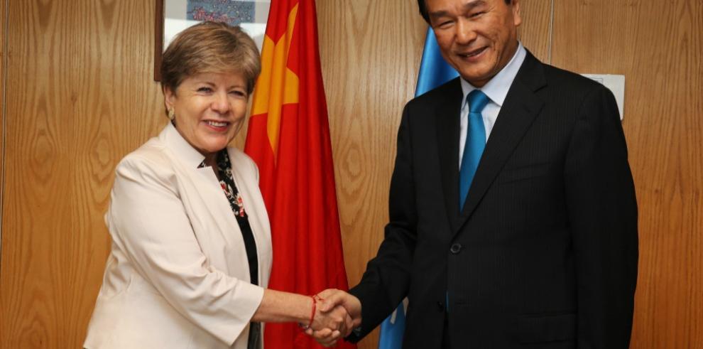 China recurre a los medios para mejorar entendimiento con la región